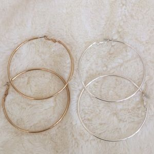 2pr hoop earrings